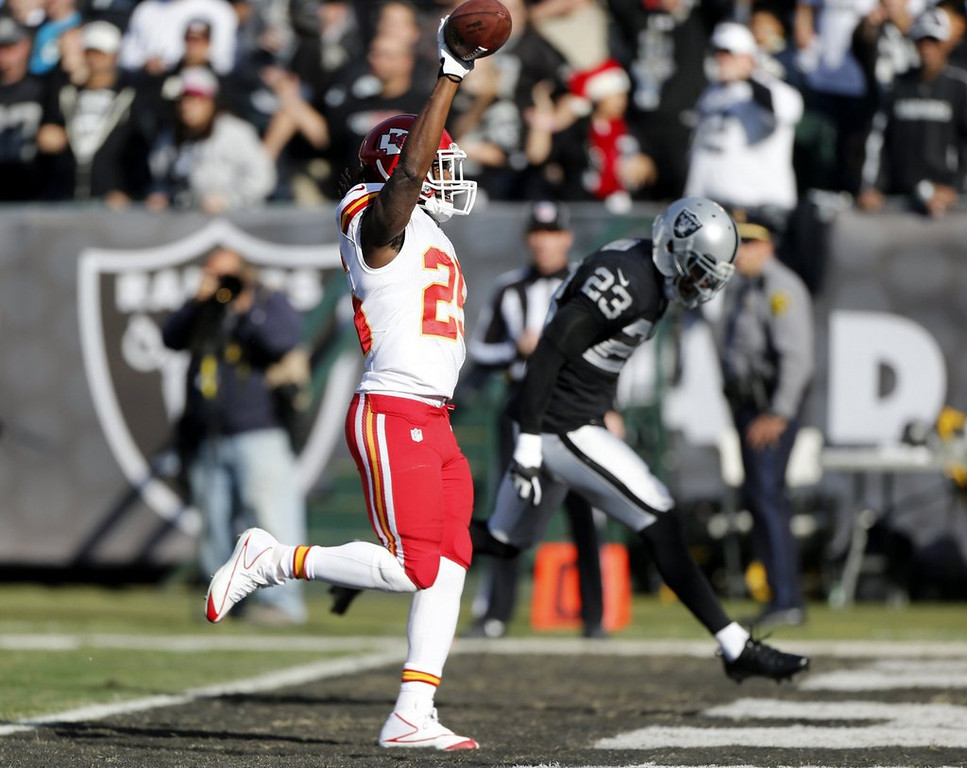 . <p><b> Raiders at Chargers (-10):</b>  <p>The Chiefs� offense ravaged the Raiders for a record 56 points in last Sunday�s rout. It�s the most the Raiders have given up since Al Davis decided to abandon Los Angeles to return to the armpit of Northern California. <p>Pick: <b>Chargers by 14</b> <p>    (Josie Lepe/Bay Area News Group/MCT)
