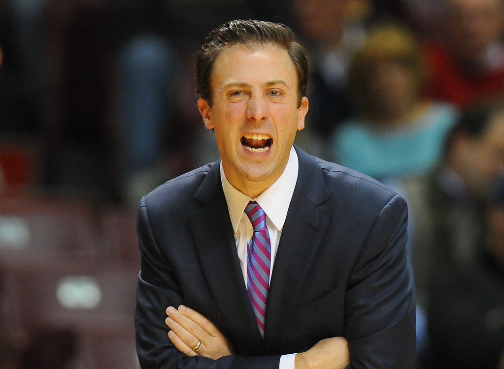 . Minnesota head coach Richard Pitino shouts instructions to his team as the play South Dakota State in the first half at Williams Arena . (Pioneer Press: John Autey)