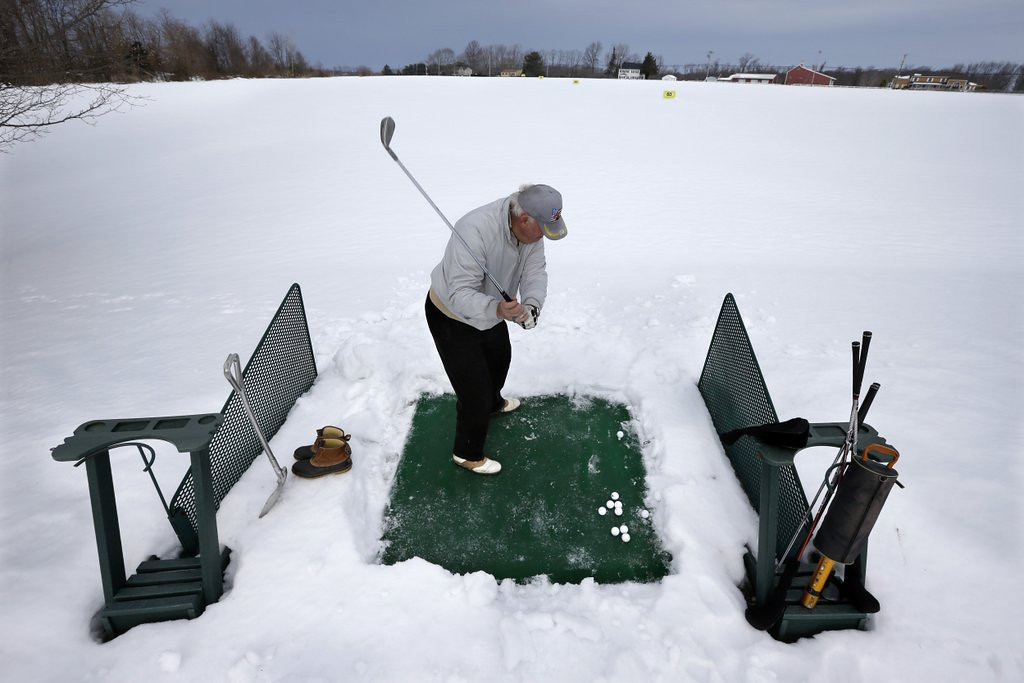 """. <p>3. SNOW <p>Just a few short months until you can hit the links! (unranked) <p><b><a href=\'http://www.twincities.com/localnews/ci_25192073/dismal-plowing-conditions-st-paul-roads-are-going\' target=\""""_blank\""""> HUH?</a></b> <p>    (AP Photo/Mel Evans)"""
