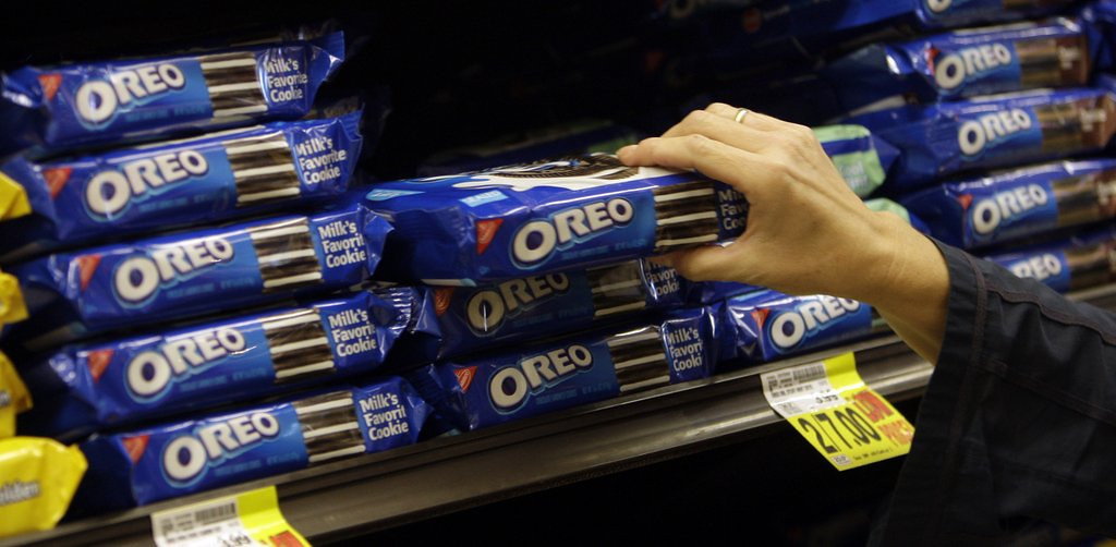 ". <p>10. (tie) DOUBLE STUF OREOS <p>Close examination by Stuf analysts indicate you�re getting cheated out of sugar and lard. (previous ranking: unranked) <p><b><a href=\'http://www.theatlantic.com/health/archive/2013/08/breaking-double-stuf-oreos-may-not-actually-be-doubly-stufed-only-186-times-stuf/278890/\' target=""_blank\""> HUH?</a></b> <p>    (AP Photo/File)"