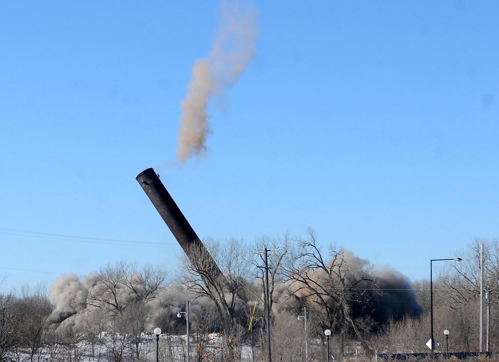 . Demolition crews took down the Island Station coal power plant.  (Pioneer Press: Sherri LaRose-Chiglo)