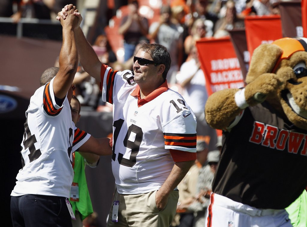 ". <p>8. BERNIE KOSAR <p>Blames concussions for his slurring, conveniently forgetting about all that hooch. (unranked) <p><b><a href=\'http://www.twincities.com/sports/ci_25629140/bernie-kosar-ex-nfl-qb-claims-hes-off\' target=""_blank\""> LINK </a></b> <p>    (Matt Sullivan/Getty Images)"