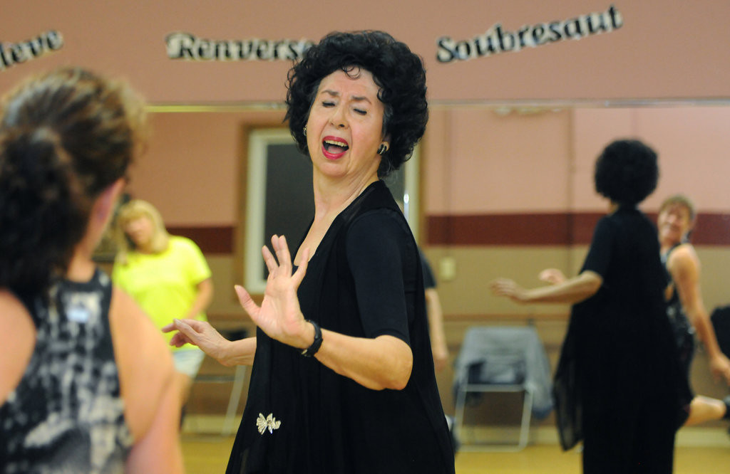 """. \""""It\'s fun,\"""" Nancy Raddatz says as she leads the tap portion of her Wednesday night dance class to the song \""""It\'s a Beautiful Day\"""" by Michael Buble. (Pioneer Press: Ginger Pinson)"""