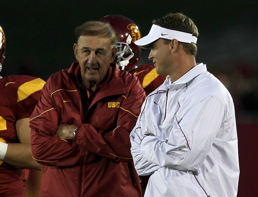 ". <p>7. MONTE KIFFIN <p>His coaching reputation now almost as bad as his son�s. (unranked) <p><b><a href=\'http://www.latimes.com/sports/la-sp-newswire-20140129,0,1404788.story#axzz2rorhSVkC\' target=""_blank\""> HUH?</a></b> <p>   (Stephen Dunn/Getty Images)"
