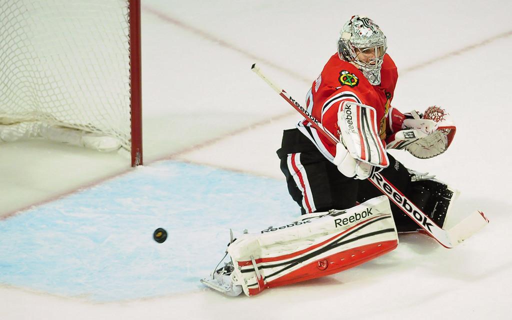 . Chicago Blackhawks goalie Corey Crawford makes a stop in overtime. (Pioneer Press: Ben Garvin)
