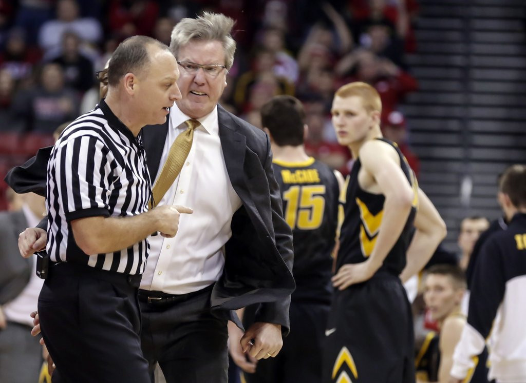 """. <p>9. FRAN McCAFFERY <p>Iowa�s unhinged coach more Ted Knight than Bobby Knight. (unranked) <p><b><a href=\'http://www.twincities.com/sports/ci_24853967/iowa-hawkeyes-fran-mccaffery-apologizes-outburst-ejection?source=rss\' target=\""""_blank\""""> HUH?</a></b> <p>    (AP Photo/Andy Manis)"""