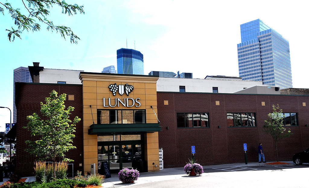 . The Lunds planned for St. Paul is intended to cater to a more urban than suburban crowd, providing a large section of ready-made meals, similar to the downtown Minneapolis store, pictured here. (Pioneer Press: John Doman)