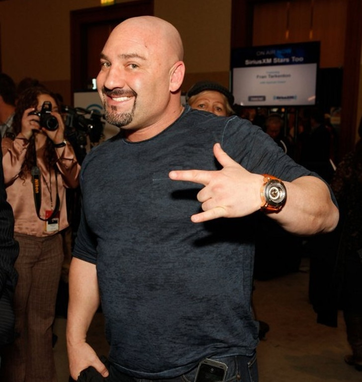 ". <p>1. (tie) JAY GLAZER <p>Never played professional football, but he showed Sunday how adept he is at tossing softballs. (unranked) <p><b><a href=\'http://deadspin.com/richie-incognito-speaks-says-hes-not-a-racist-or-a-bu-1461816777\' target=""_blank\""> HUH?</a></b> <p>    (Cindy Ord/Getty Images for SiriusXM)"