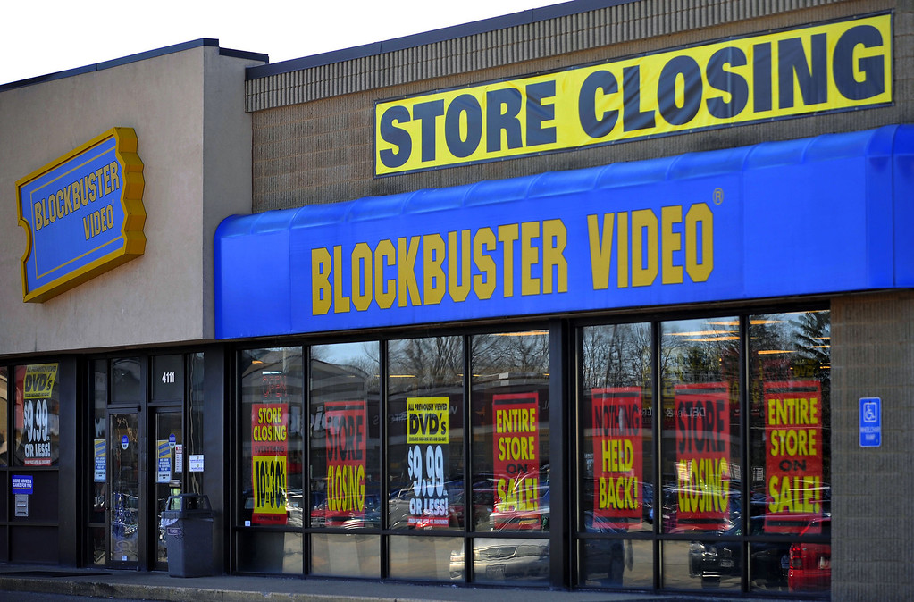 """. <p>6. (tie) BLOCKBUSTER VIDEO <p>Going out of business about five years after you returned your last rental. (unranked) <p><b><a href=\'http://www.twincities.com/business/ci_24467855/dish-close-rest-its-blockbuster-stores-u-s\' target=\""""_blank\""""> HUH?</a></b> <p>    (AP Photo/Journal Times, Scott Anderson, File)"""