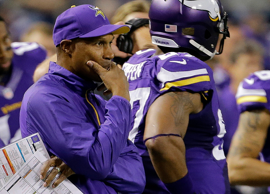 ". <p>8. LESLIE FRAZIER <p>If you were planning to start Christian Ponder again, you wouldn�t be bragging about it, either. (3) <p><b><a href=\'http://www.twincities.com/sports/ci_24418607/vikings-starting-quarterback-surprise-leslie-frazier-says\' target=""_blank\""> HUH?</a></b> <p>    (AP Photo/Ann Heisenfelt)"