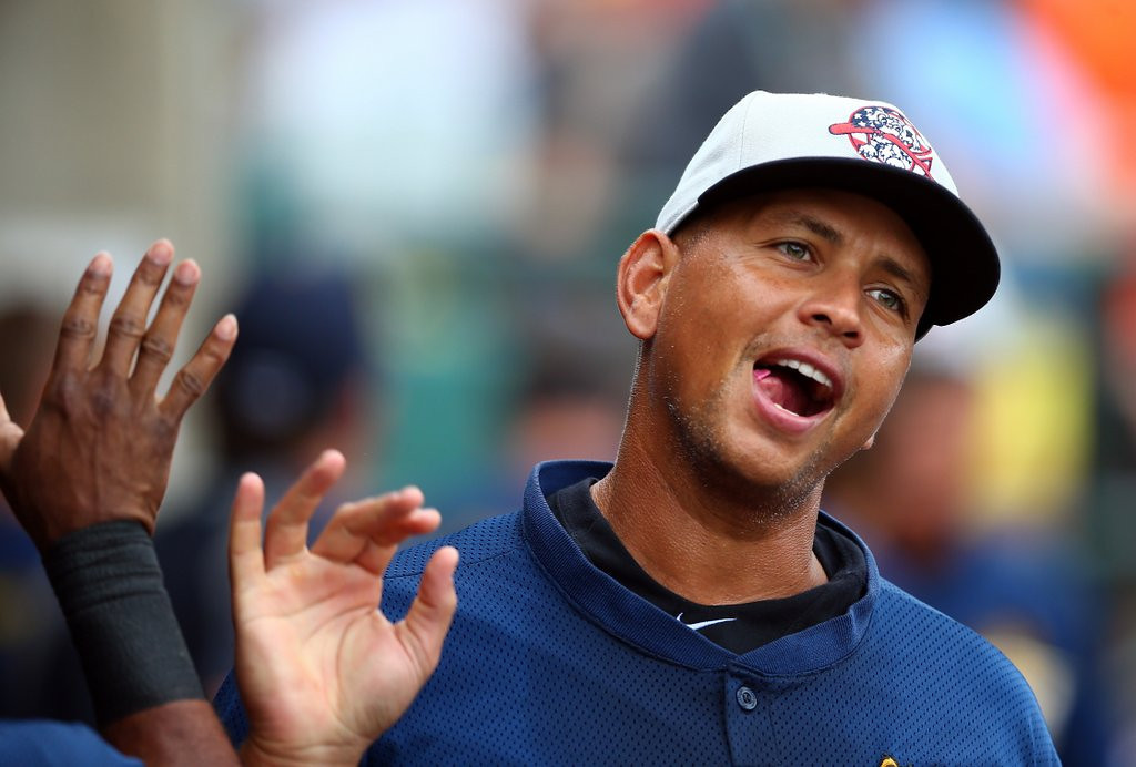 """. <p>5. (tie) ALEX RODRIGUEZ <p>Say it ain�t so, schmoe! (unranked) <p><b><a href=\'http://www.twincities.com/breakingnews/ci_25086948/rodriguez-withdraws-lawsuit-overturn-suspension\' target=\""""_blank\""""> HUH?</a></b> <p>    (Streeter Lecka/Getty Images)"""