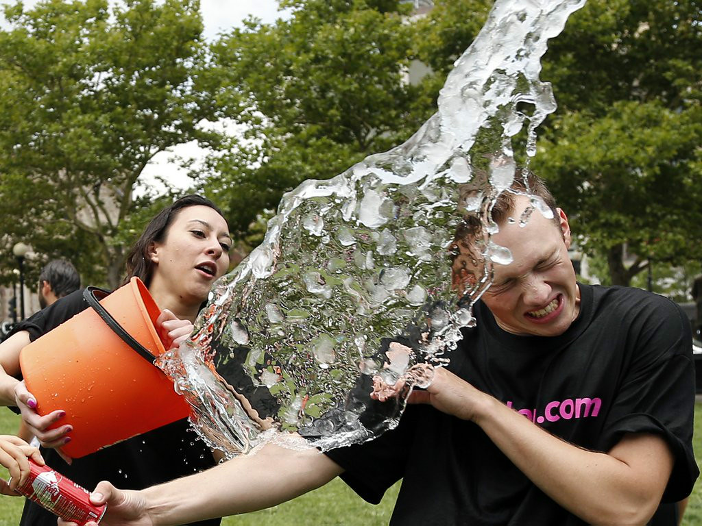 ". 1. ICE BUCKET CHALLENGE <p>Leave it to your federal government to throw cold water on this dangerously illegal menace to society. (unranked) </p><p><b><a href=""http://www.twincities.com/breakingnews/ci_26379208/us-diplomats-barred-from-ice-bucket-challenge\"" target=\""_blank\""> LINK </a></b> </p><p>   (AP Photo/Elise Amendola)</p>"