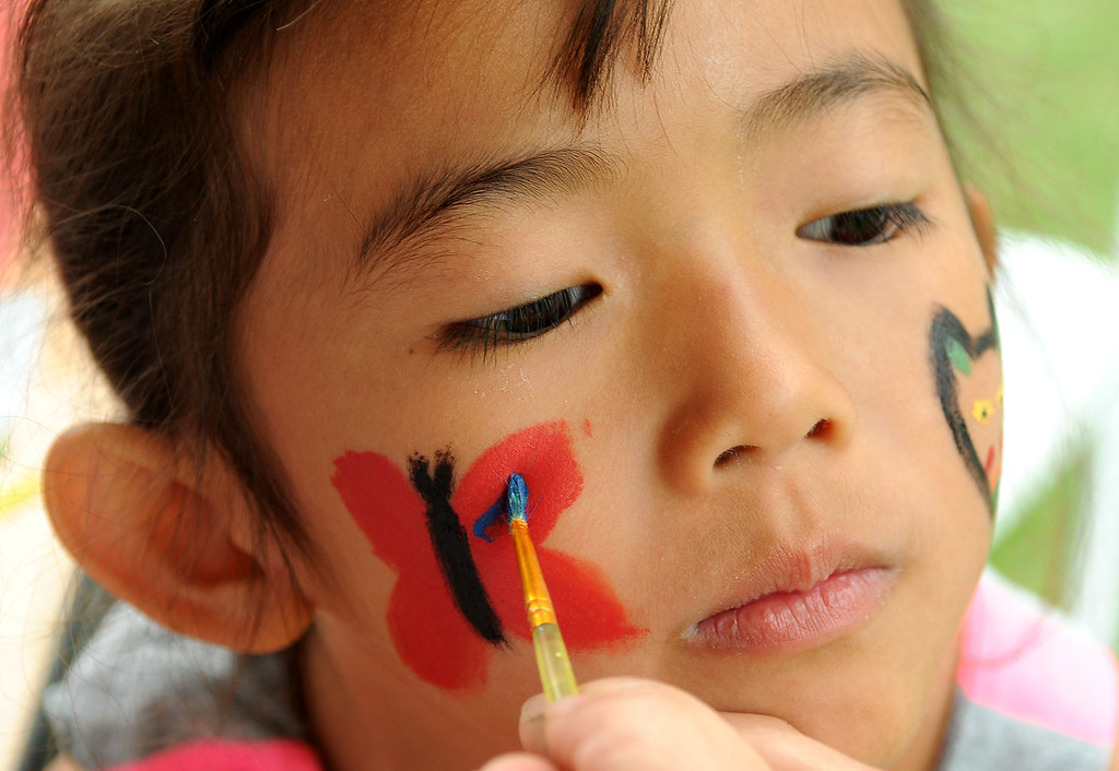 . Five-year-old Layla Nguyen of Brooklyn Park has her face painted. (Pioneer Press: Sherri LaRose-Chiglo)