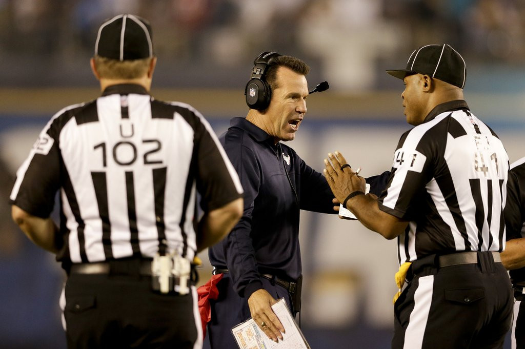 . <p><b> Titans at Texans (-9):</b>  <p>The NFL has admitted that the Texans won Monday night, in part, because officials blew the call on a critical penalty, proving that the league�s lousy officials are not limited to working on Sundays. <p>Pick: <b>Texans by 3</b> <p>    (AP Photo/Gregory Bull)